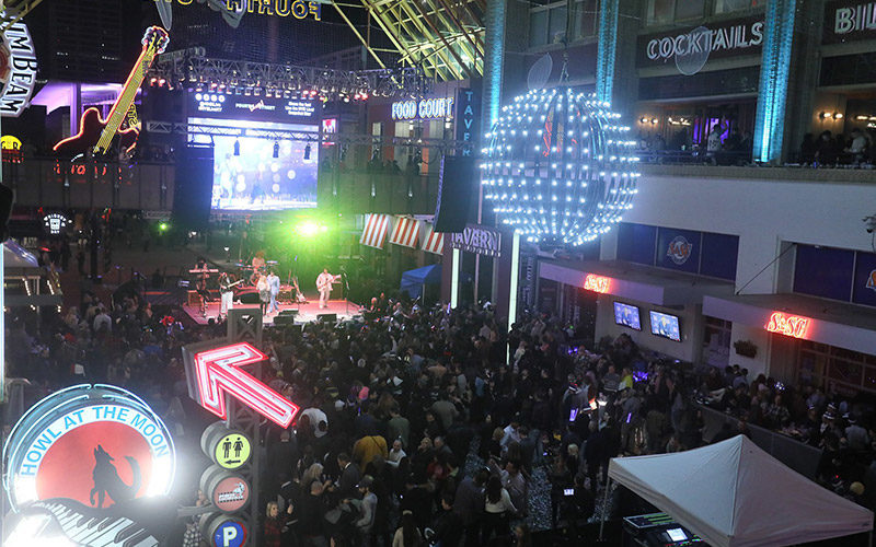 New Year's Eve at Fourth Street Live!